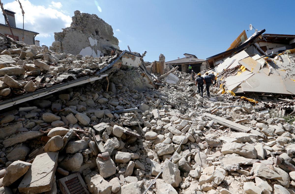 2016 08 24T141607Z 196510474 S1BETXHIBFAE RTRMADP 3 ITALY QUAKE - A 6.2 earthquake rattles Italy