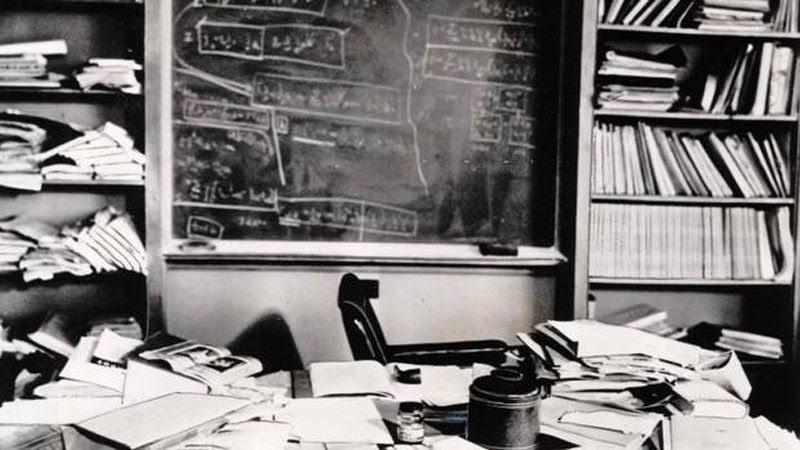 Einstein's desk<br>                                                          after he died