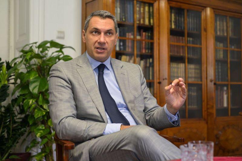 Lázár: Magyarország jövője a tét