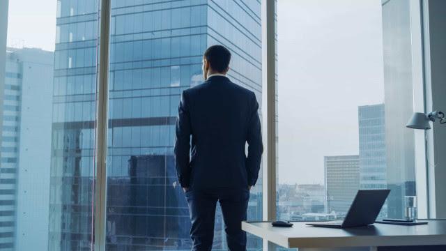 Quando faz sentido o dono de um negócio se apresentar como CEO?