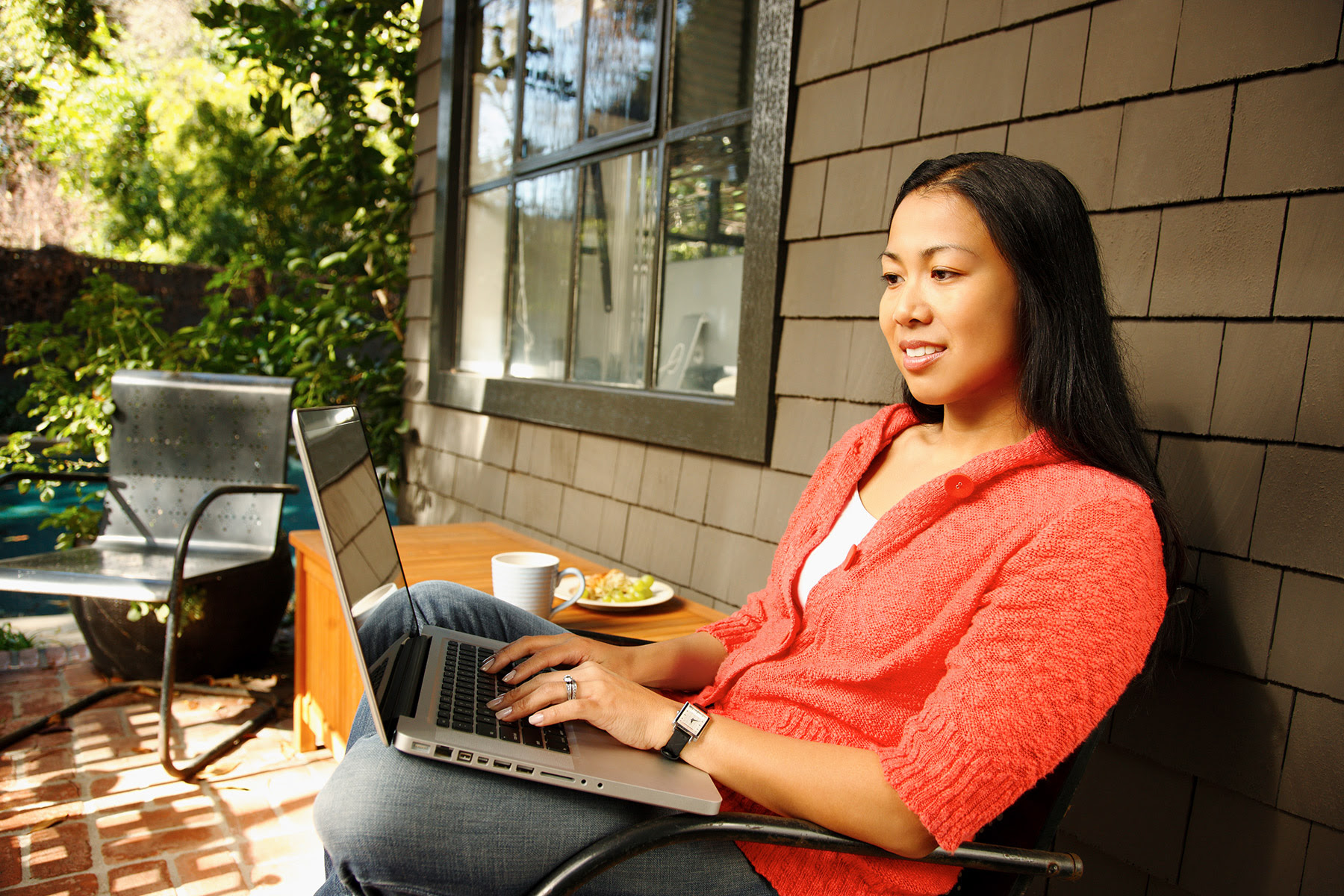 Click here to learn how to keep your employees engaged as they continue to work remotely!