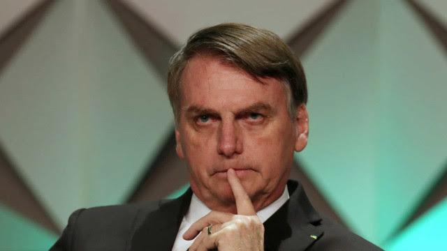 Bolsonaro já vê fissuras até no cercadinho de sua claque no Alvorada