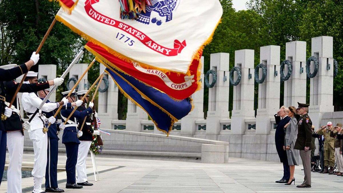 Trump at WWII Memorial