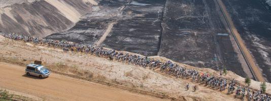Ende Gelände activists occupy and shutdown RWE's Garzweiler pit