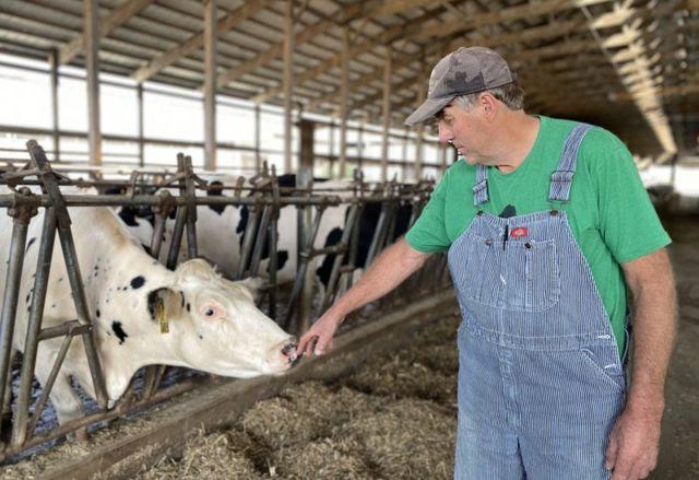 John em sua fazenda