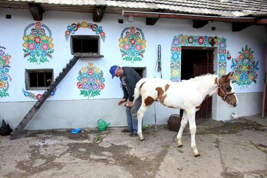 adelaparvu.com despre satul Zalipie (8)