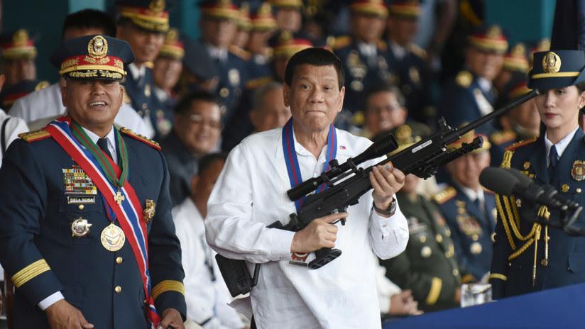 Duterte a los policías corruptos de Filipinas: '¡Hijos de p**a, realmente les mataré!' (VIDEO)
