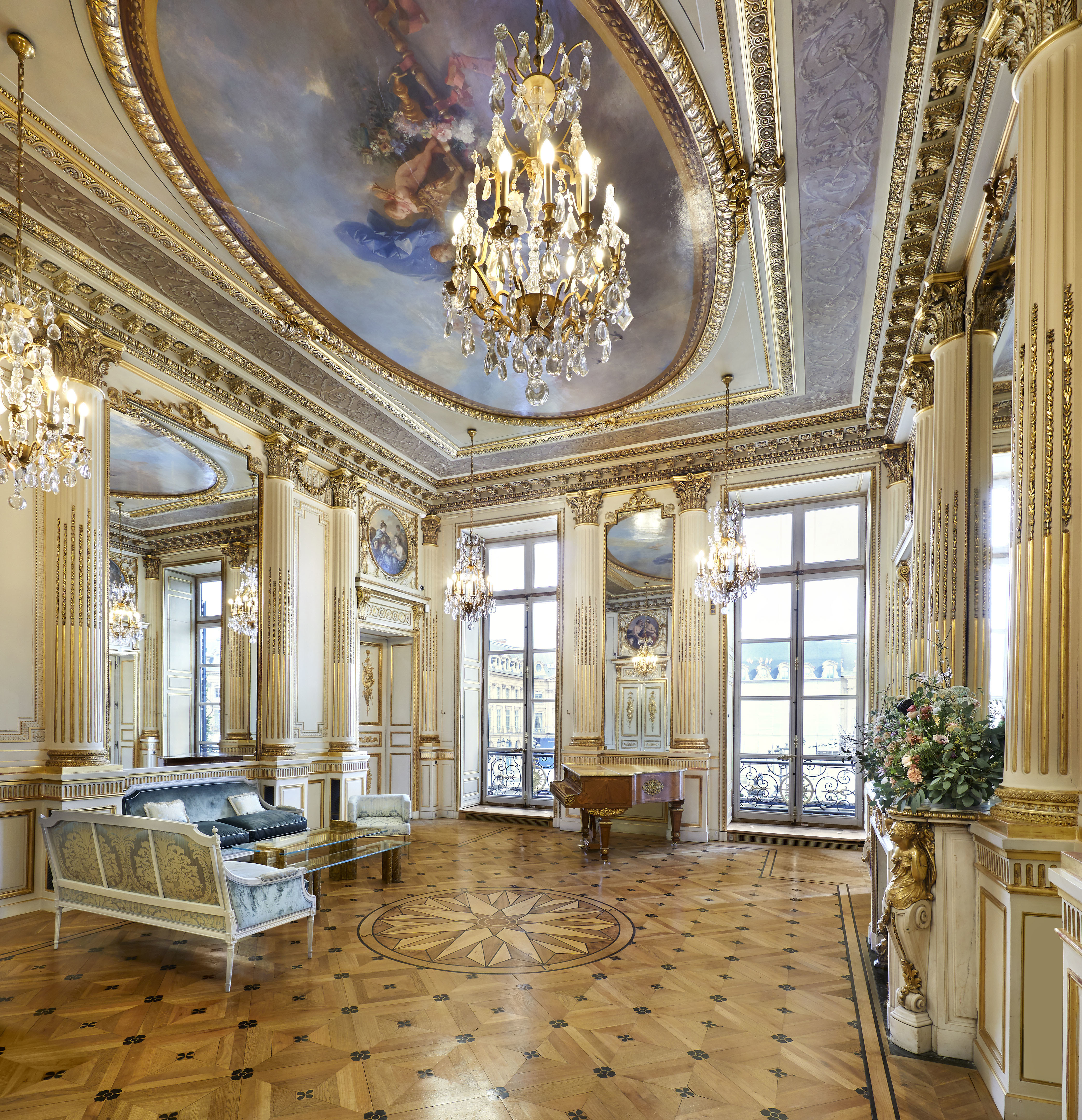 7196af6f 9c61 4665 ac46 c563b5ad6997 - Chaumet presenta en París  la exposición Napoleón y Joséphine  -  Una historia (extra) Ordinaria