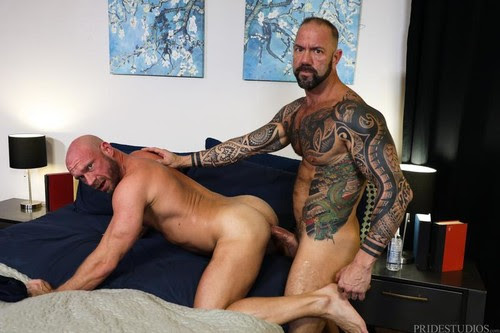 ExtraBigDicks - Damn! It Is Big!!! (Vic Rocco & Killian Knox) Bareback