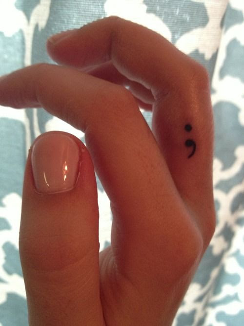 Lovable tiny finger tattoos4