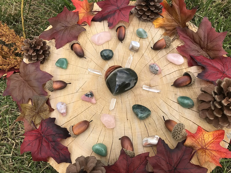 Crystal Grid for Gratitude by Jenn Lyn
