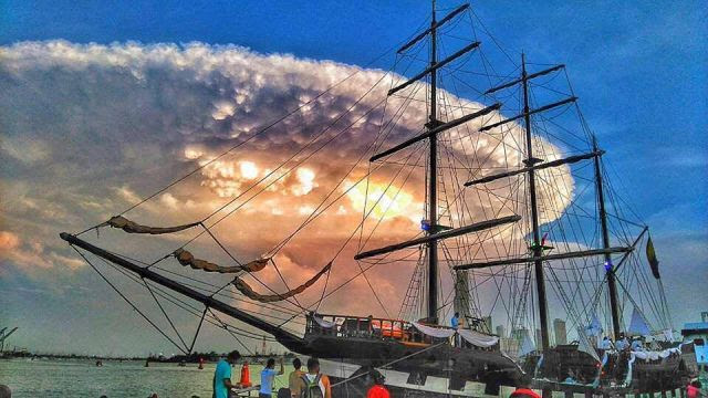 Big Cloud in Cartagena Colombia 06/30/2016 Video