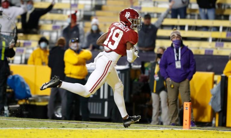 Jahleel Billingsley (No. 19) scores a touchdown for Alabama versus LSU