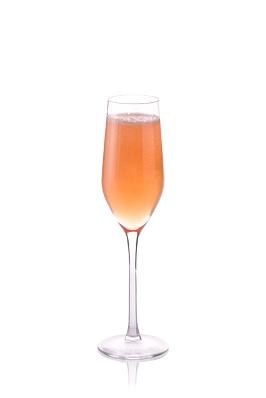 Imagen%203 2 - Cuatro recetas de cocktails con champagne que te propone Moët & Chandon para que disfrutes desde casa