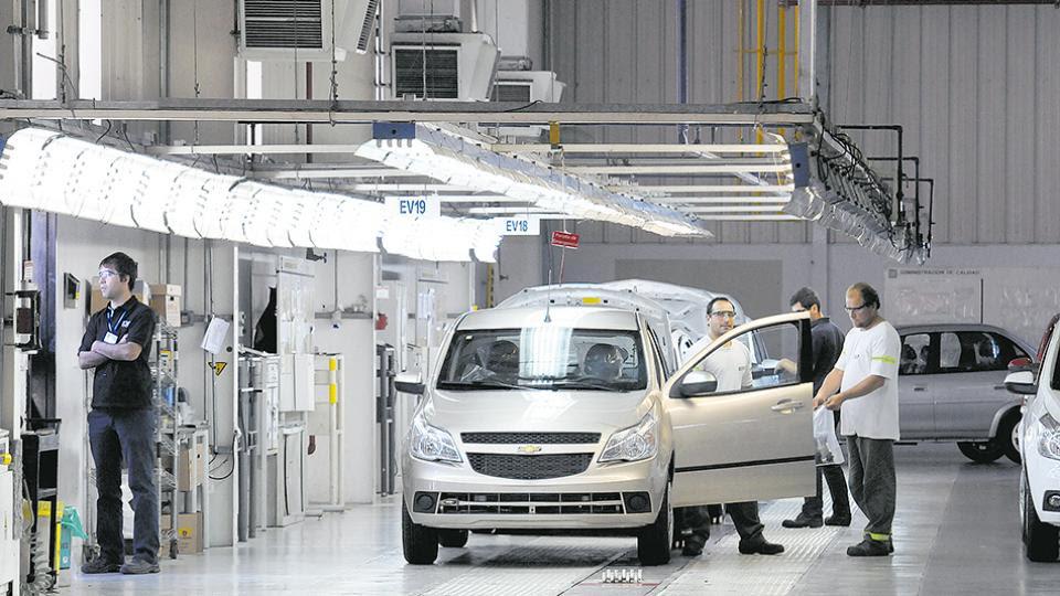 La planta de General Motors en las afueras de Rosario estará cerrada hasta el 16 de julio.