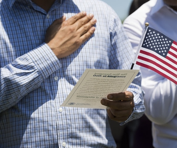 This Colorado mayor must be delusional because he just suspended the Pledge of Allegiance