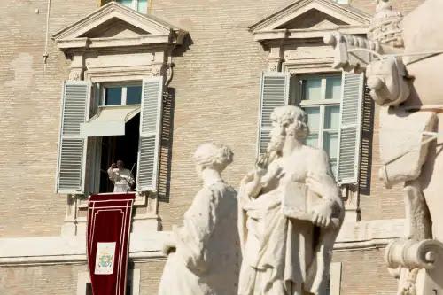 El Papa invitar a luchar contra el maligno y a desechar los egoísmos para vencerlo