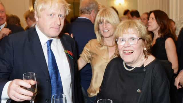 Mãe de Boris Johnson morre aos 79 anos
