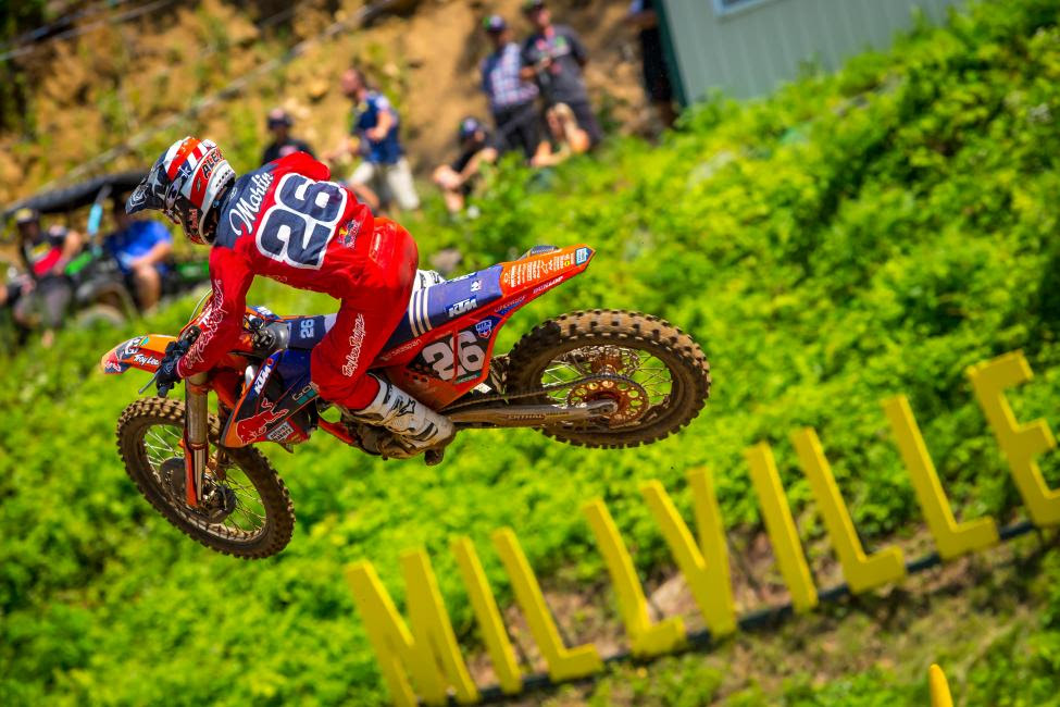 Alex Martin overcame a challenging first moto to finish third overall (7-2).