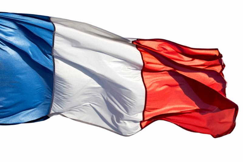 french_flag_in_wind.jpg