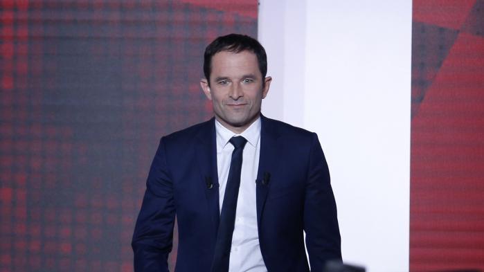 """VIDEO. Législatives : Hamon appelle à voter """"sans hésiter"""" pour la candidate de la France insoumise opposée à Valls"""