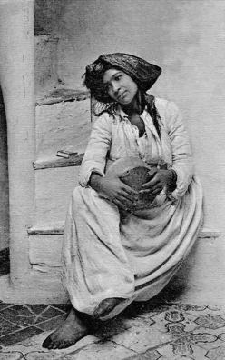 """Music dwells"" da Tunísia.  Início do século XX"