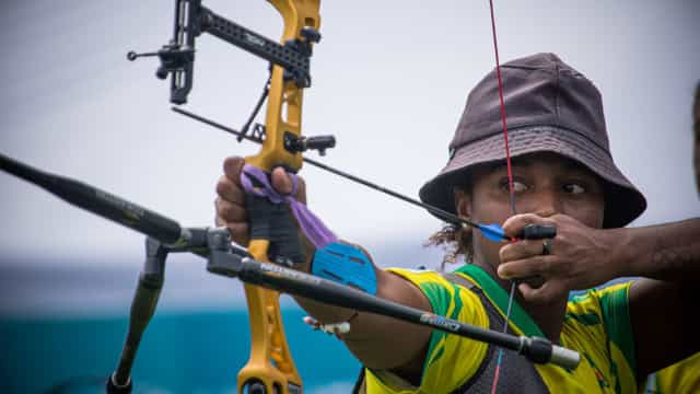 Ane Marcelle é 33ª na classificatória do tiro com arco e pode encarar recordista
