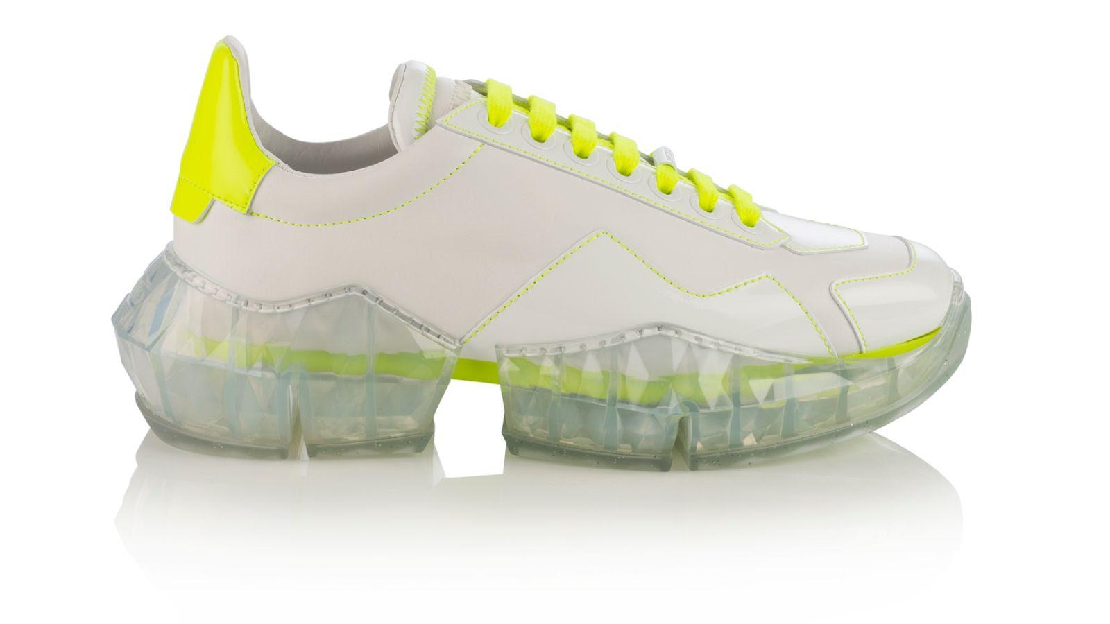 7cb93875 6850 4d2c 8bff b3d74b315715 - Kaia Gerber tiene la selección de prendas y calzado perfectos para hacer deporte en casa