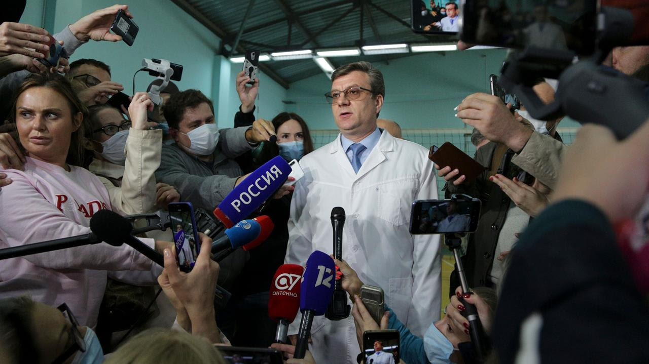 Alexander Murakhovsky, chief physician of the Omsk Ambulance Hospital No. 1, intensive care unit where Alexei Navalny was hospitalized speaks to the media in Omsk, Russia, Friday, Aug. 21, 2020.