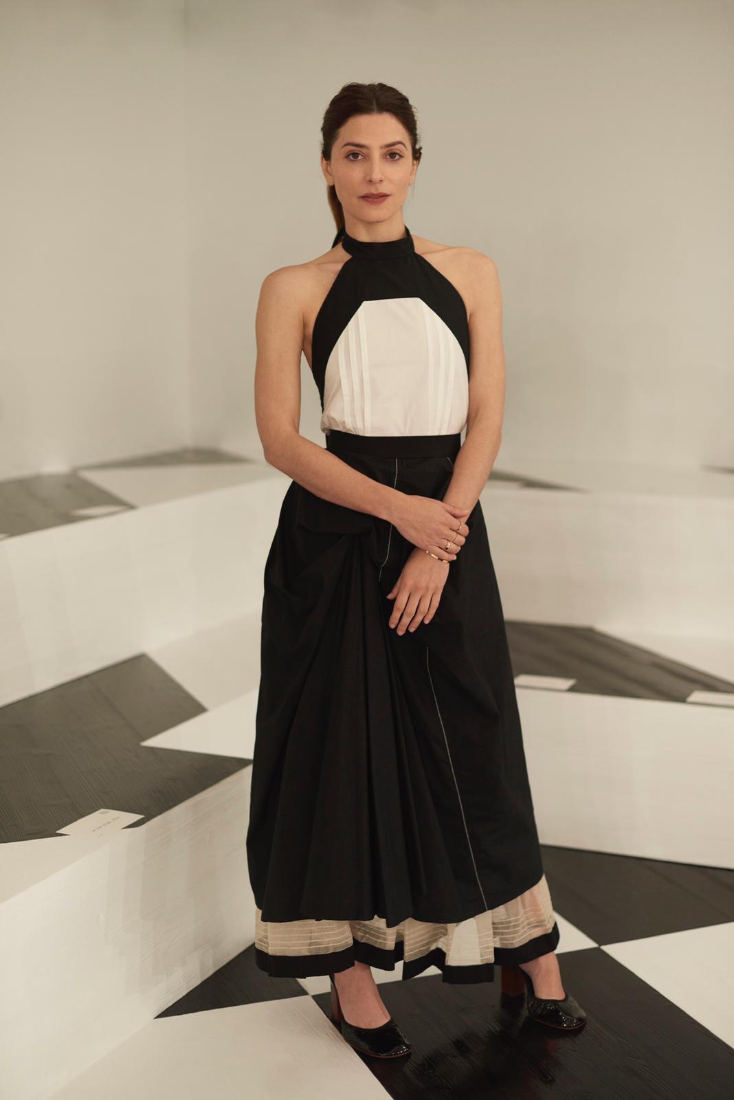 bdc4ee74 74a9 4d8b b85a 57f2f64e0457 - Goya Toledo y Bárbara Lennie lucen accesorios de Jimmy Choo y Chaumet  en los desfiles de París Fashion Week
