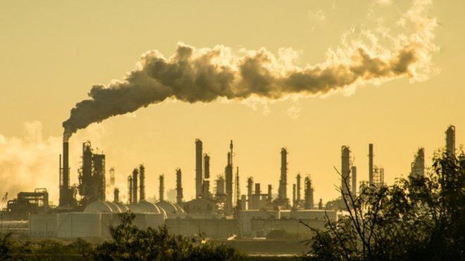 Estudo diz que 20 empresas respondem por um terço de toda a emissão de CO2 no mundo; Petrobras está na lista