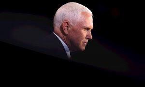 07/10/2020.-  El vicepresidente de EE.UU., Mike Pence, durante el debate frente a su rival, la demócrata Kamala Harris. / EFE-EPA-Justin Sullivan