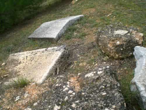 Ο Άγνωστος Τάφος του Σοφοκλή στην Βαρυμπόμπη (video)