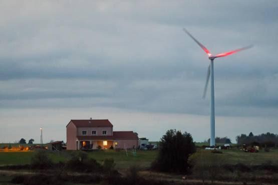 """Un député LR réclame """"un moratoire sur tous les projets éoliens terrestres"""""""