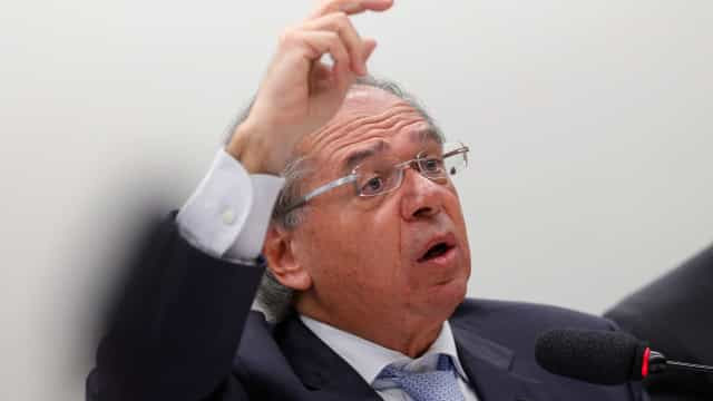 Brasil reduz previsão de crescimento para 2020 em quase dois pontos
