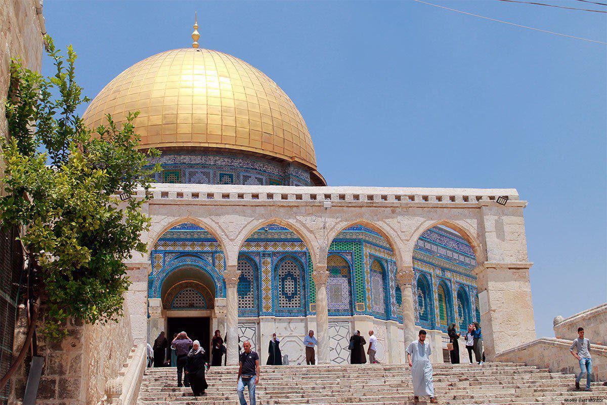 Un miembro de la Knesset contempla la construcción de una sinagoga en los patios de Al-Aqsa