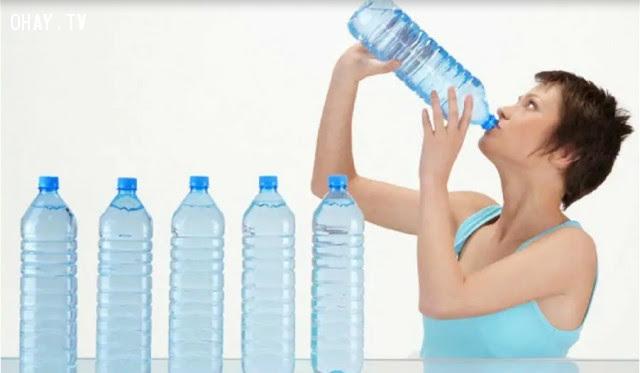 Khô miệng, cực kỳ khát nước,ăn nhiều đường,sống khỏe,thói quen xấu,dấu hiệu sức khỏe
