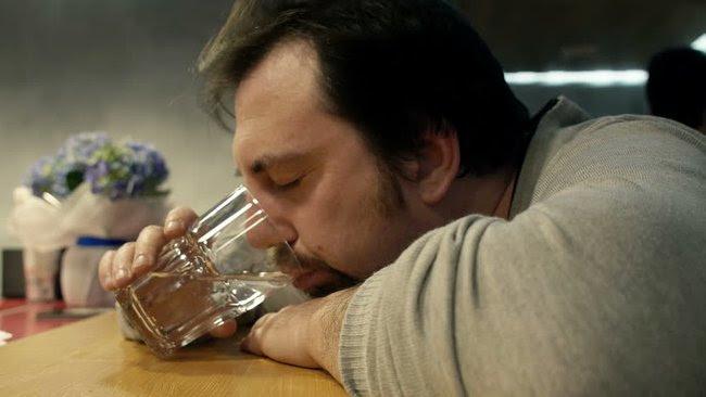 Dám cá rằng 85% người trên Trái đất đều làm điều này trước khi ngủ nhưng không biết tại sao - Ảnh 2.