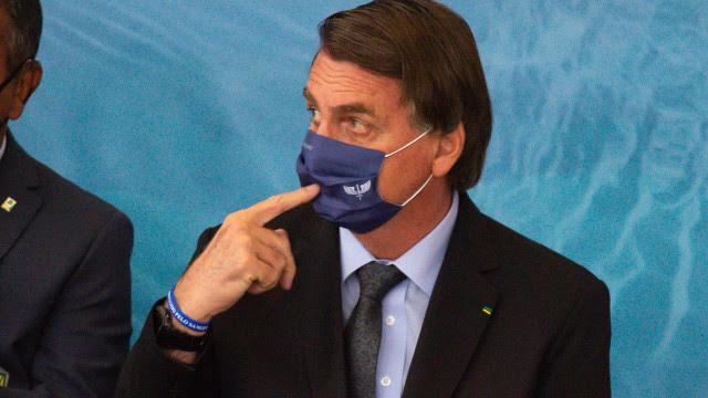 Políticos veem tentativa de radicalização de Bolsonaro com mudanças na Defesa