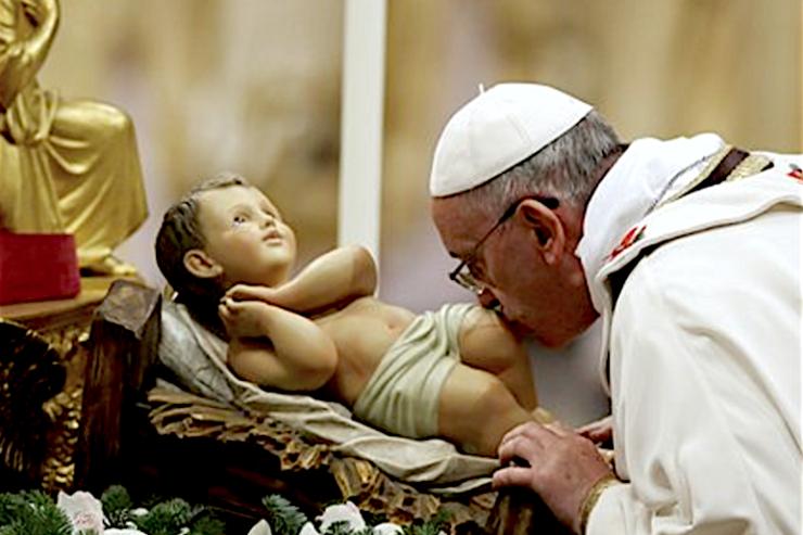 El-Papa-en-la-Navidad-del-2013-740x493
