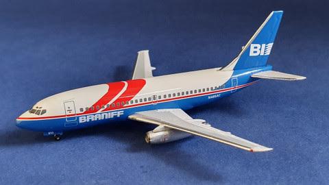 Boeing 737-200 Braniff N465AC